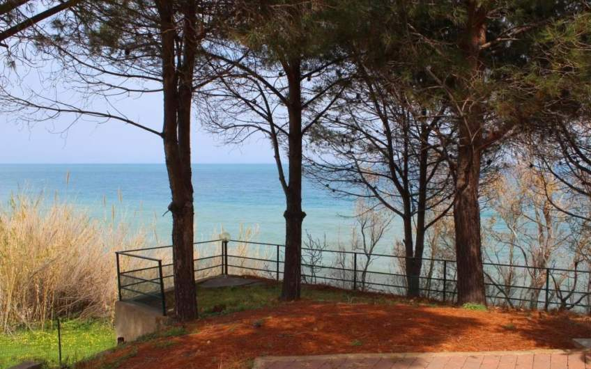 House on the beach | Private access to the sea | Messina