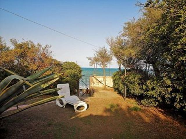 Property for sale on the beach | 15 km from Catania